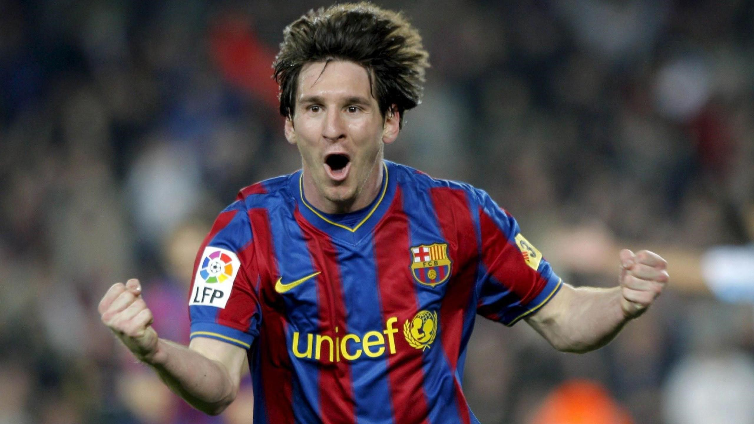 Lionel Messi Best Football Player Wallpaper HD Wallpapers 2560x1440
