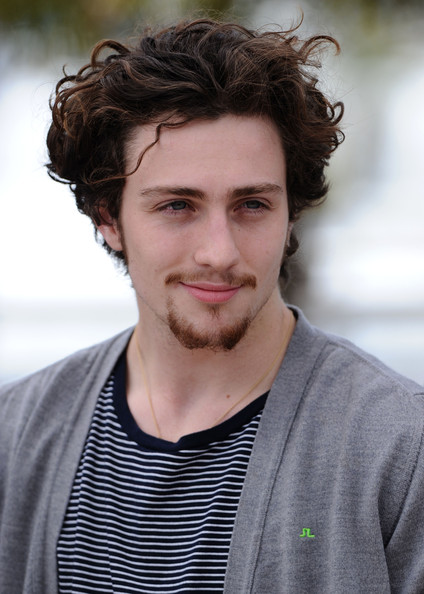 Ftv Girl Model Aaron Taylor johnson   Wallpaper Gallery 424x594