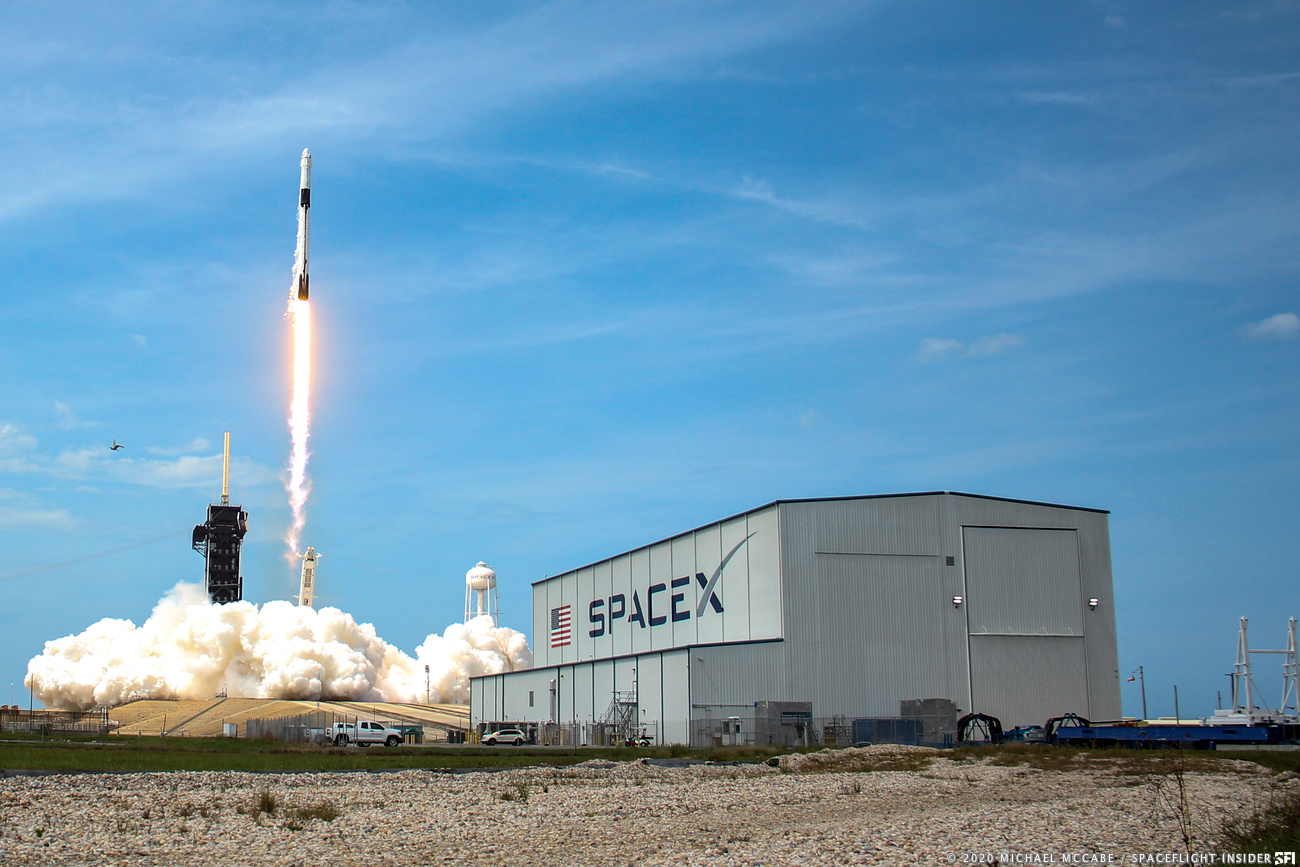 Historic Launch Day for SpaceX NASA Demo 2 In Images 1300x867