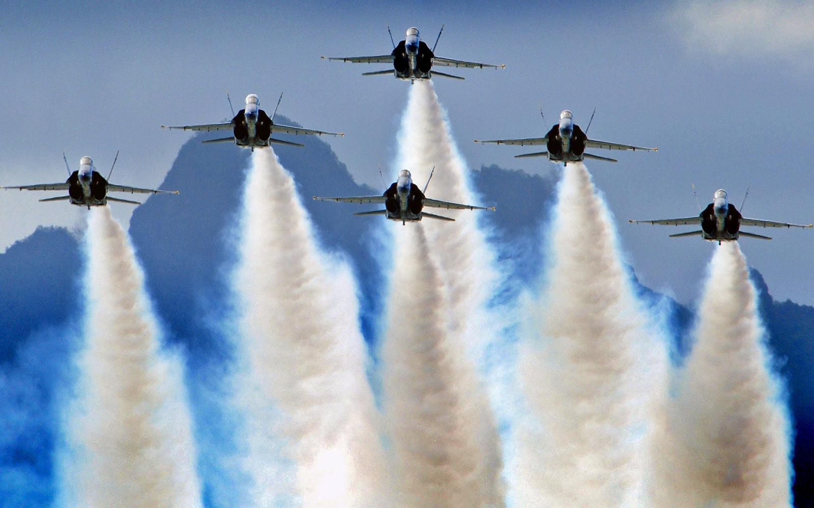 Hd Blue Angels Demostration Wallpaper Download cool HD wallpapers 1600x1000