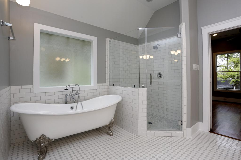 Clawfoot Tub Bathroom Remodel Wallpaper Clawfoot Tub Bathroom 1024x683