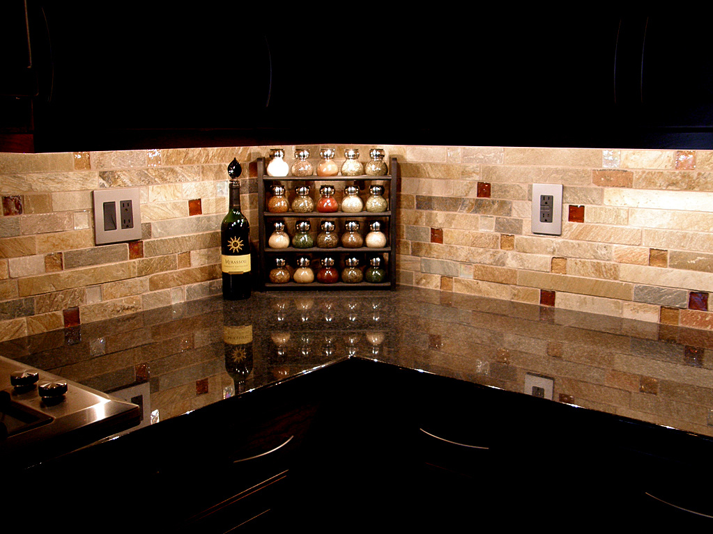 of size tiles can be divided into square or rectangular glossy tiles 1023x767