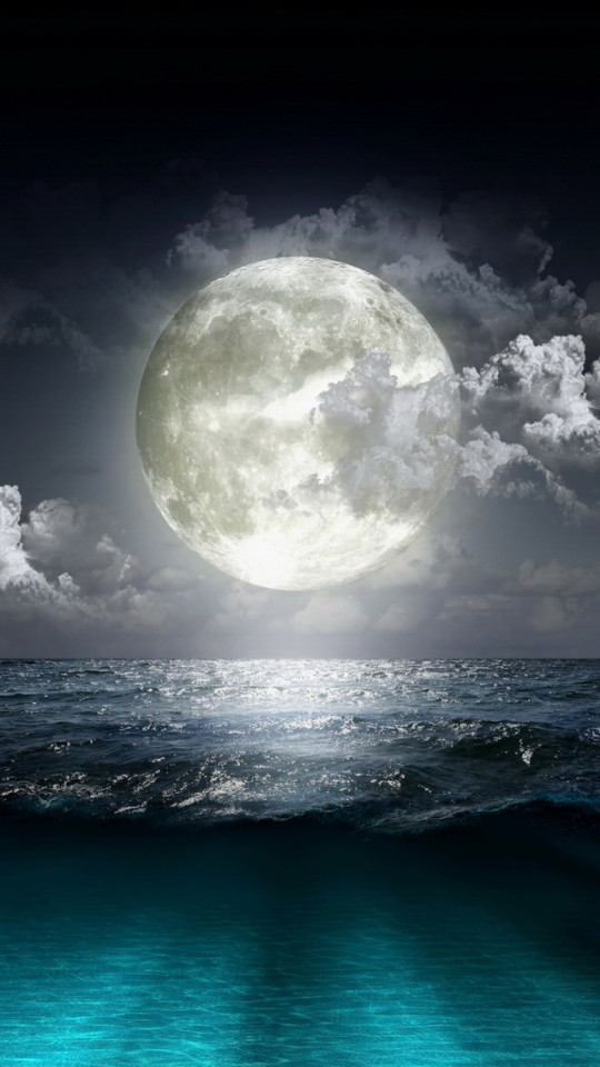 Super Moon Over The Sea Wallpaper   iPhone Wallpapers 540x960