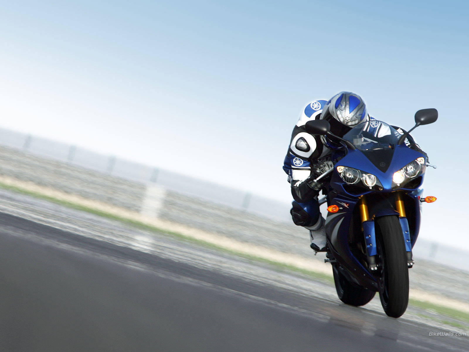 HD Yamaha Wallpaper Background Images For Download 1600x1200