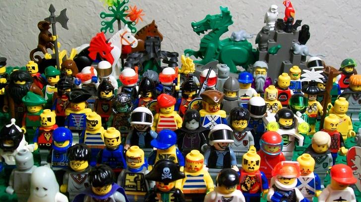 lego kids children toys bricks childhood fun legos 2560x1440 wallpaper 728x409