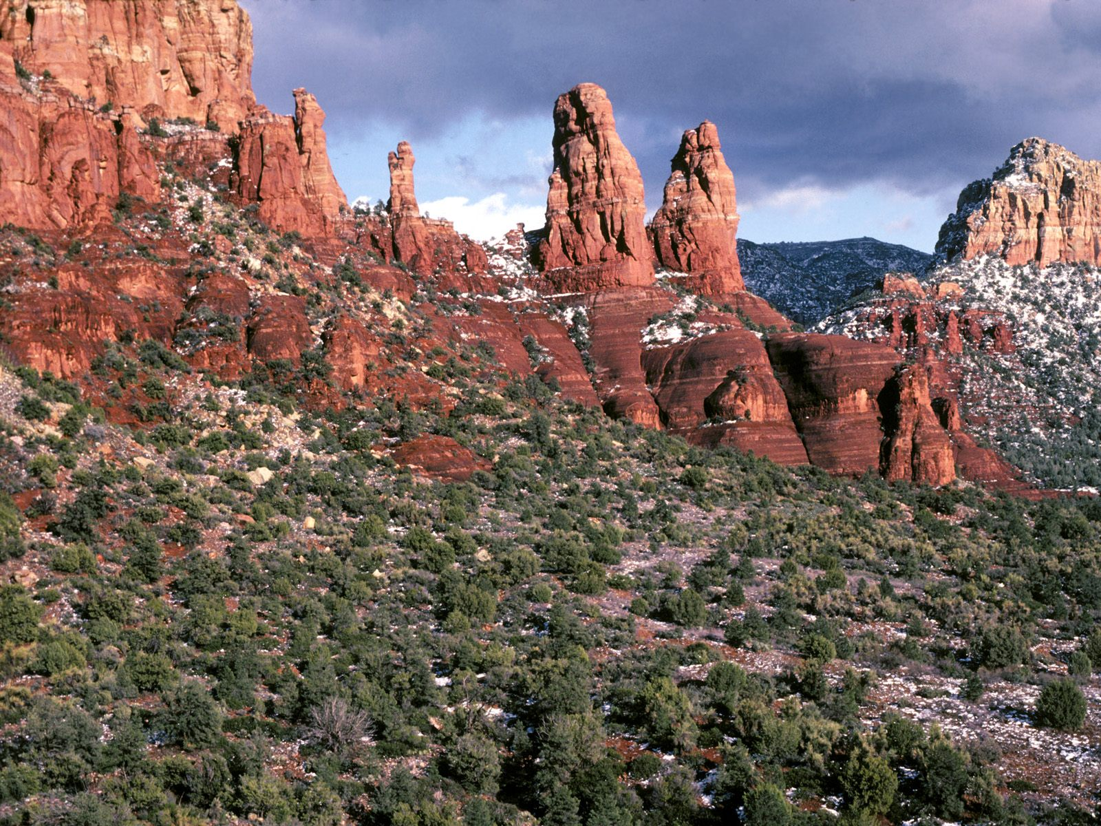 Spires Sedona Arizona Wallpapers Pictures Photos and Backgrounds 1600x1200
