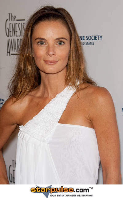 To download the Gabrielle Anwar   Wallpaper Gallery just Right Click 400x644
