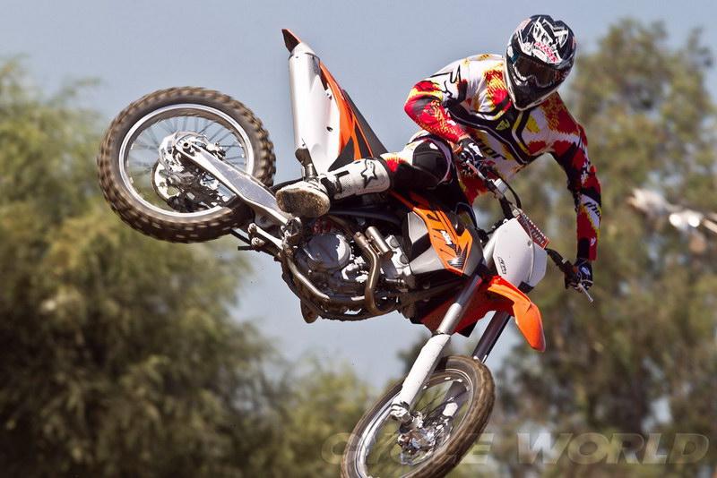 2013 KTM 350 SX F dirt bike jump free style  motorcycle bike sport 800x534