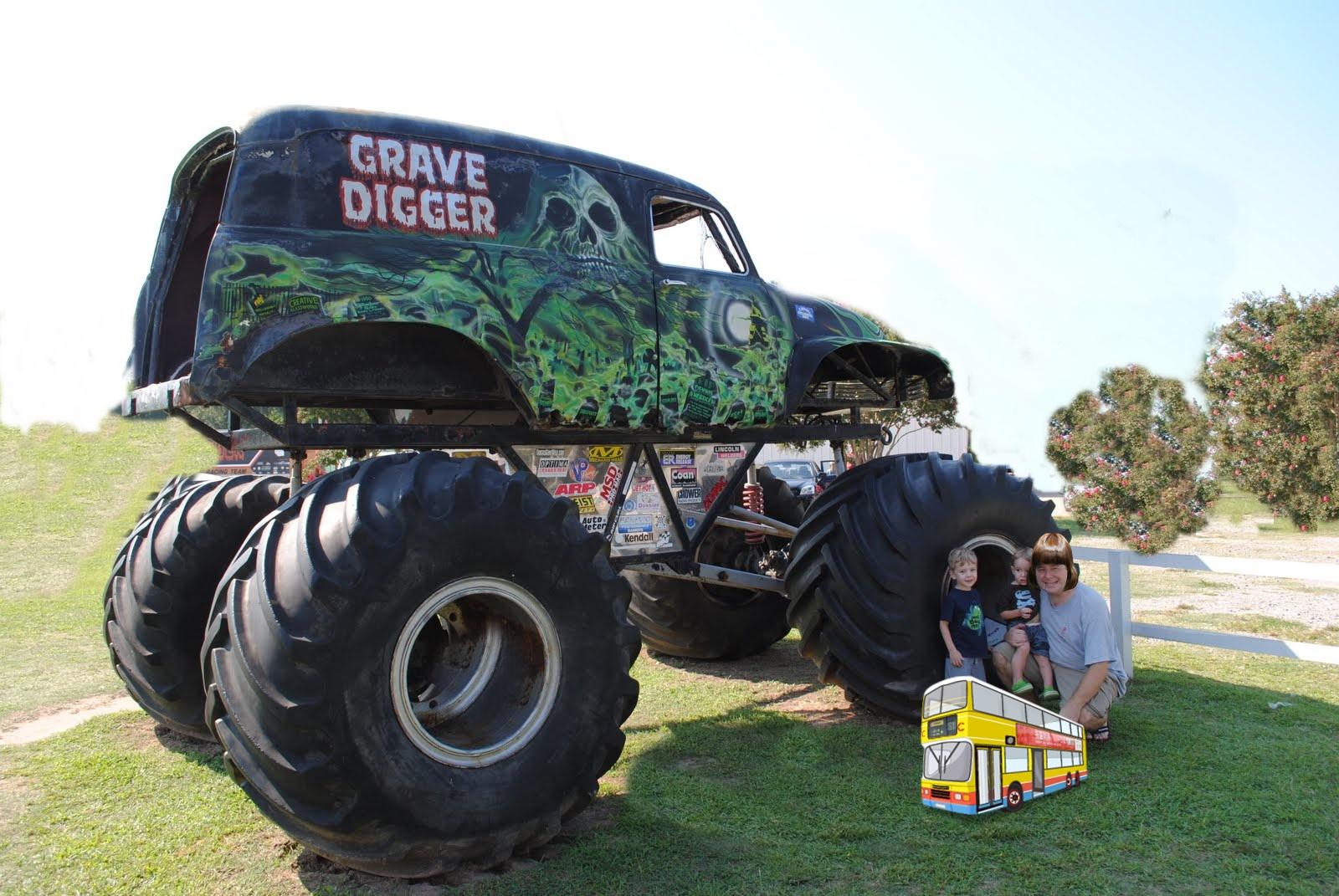 grave digger monster truck wallpaper monster truck wallpaper 1600x1071