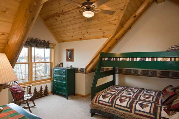 bed and matching chests of drawers iron sculpture and eagle wallpaper 600x400