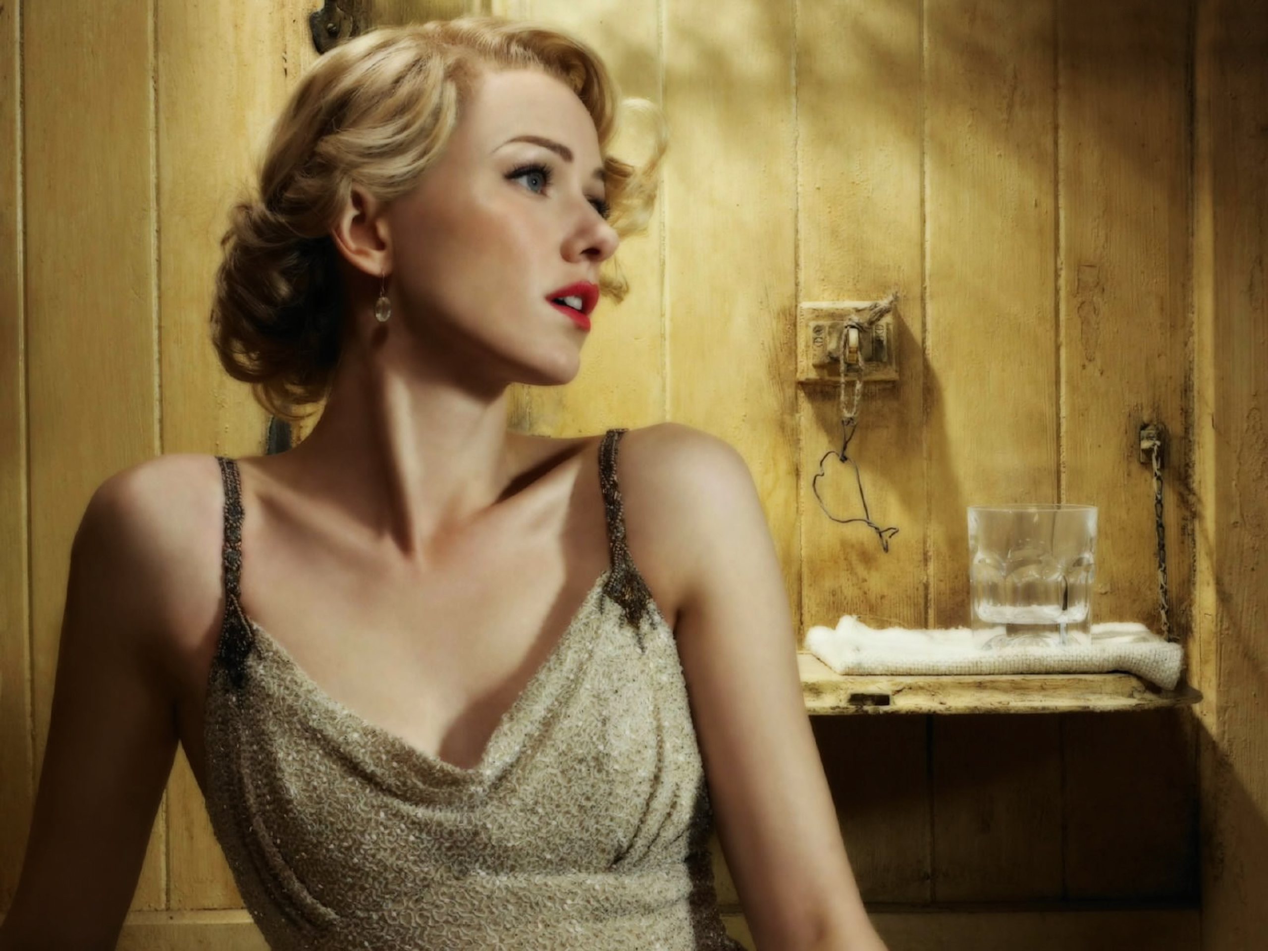 Naomi Watts Wallpapers High Resolution and Quality Download 2560x1920