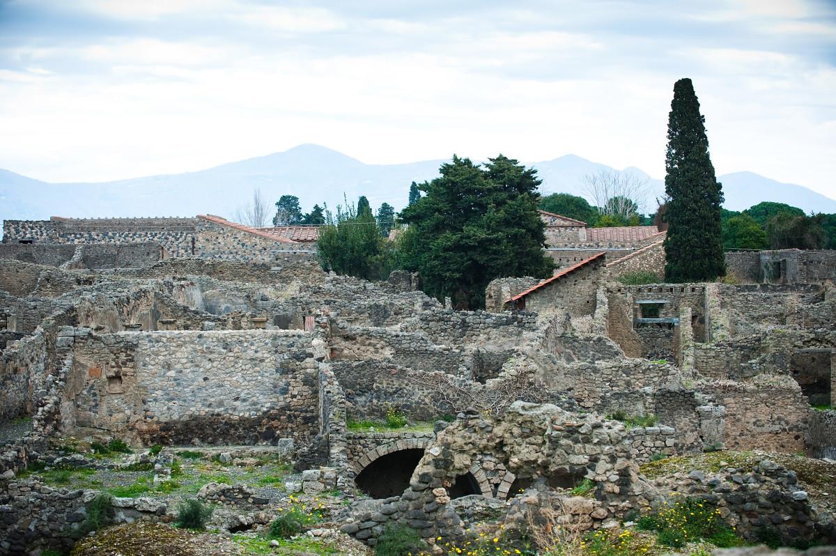Pompeii   HISTORY 1200x798