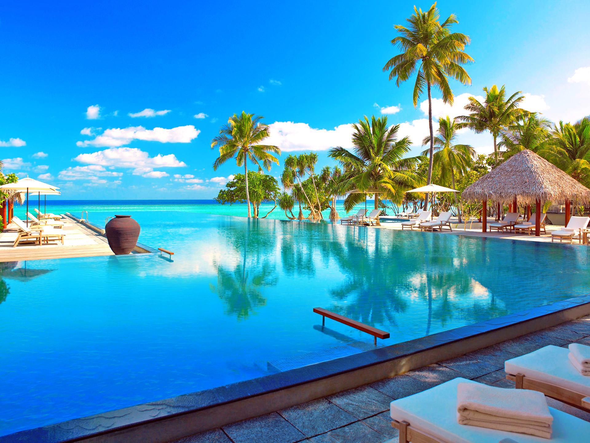 Luxury Resorts On Paradise Island