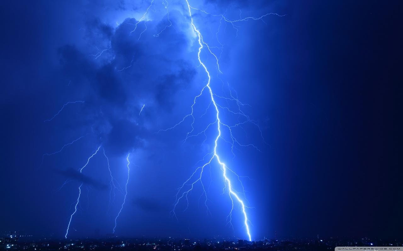 Lightning strike wallpaper wallpapersafari - Lighting strike wallpaper ...