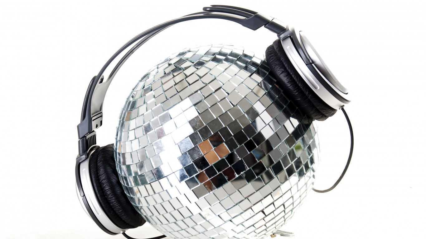 Disco Ball With Headphone 1366x768