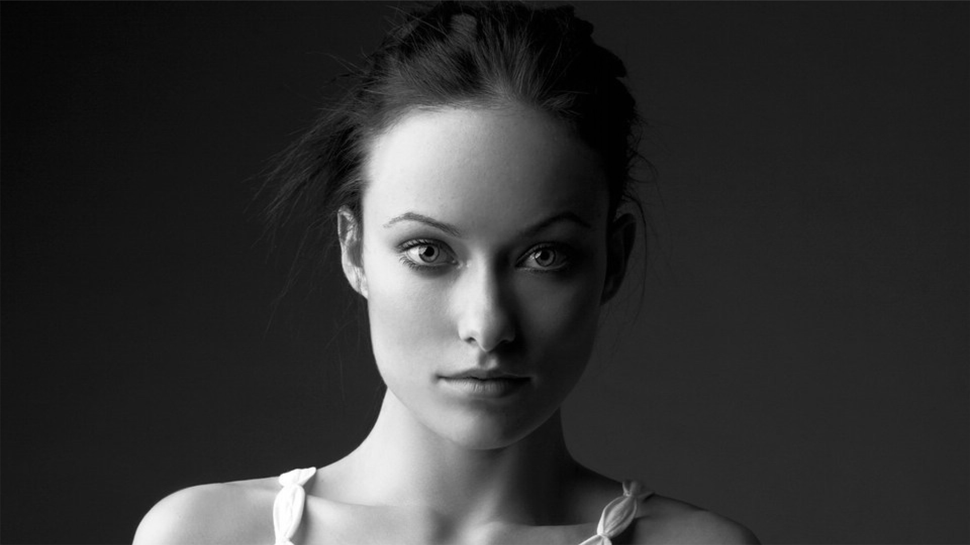 Olivia Wilde Black and White Portrait desktop PC and Mac wallpaper 1920x1080