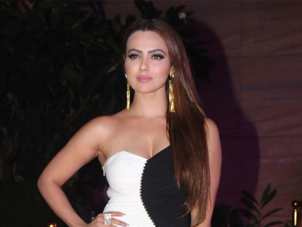 Sana Khan HQ Wallpapers Sana Khan Wallpapers   36264   Filmibeat 1024x768