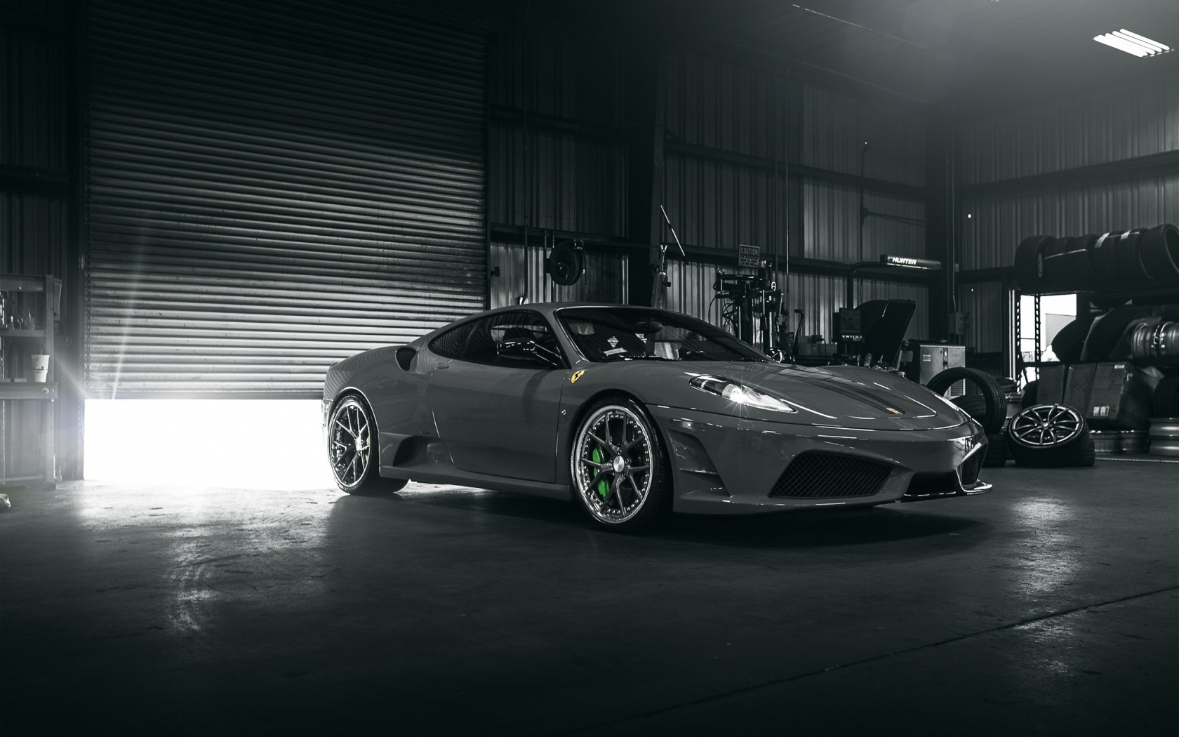 Download Garage Hd Tapete 1680x1050 Ferrari F430 Scuderia Auto
