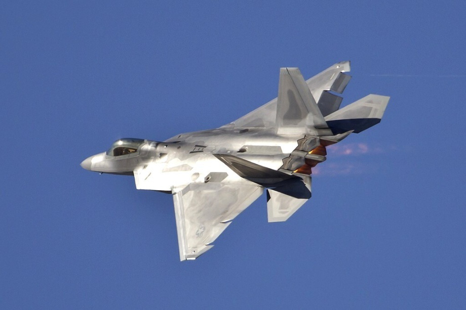 Wallpaper photos of the F 22 Raptor in high res theBRIGADE 920x613