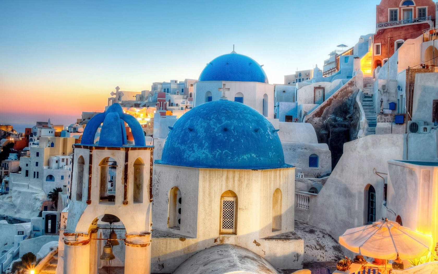 Greece Oia Santorini City Hd Wallpaper Wallpaper List 1680x1050