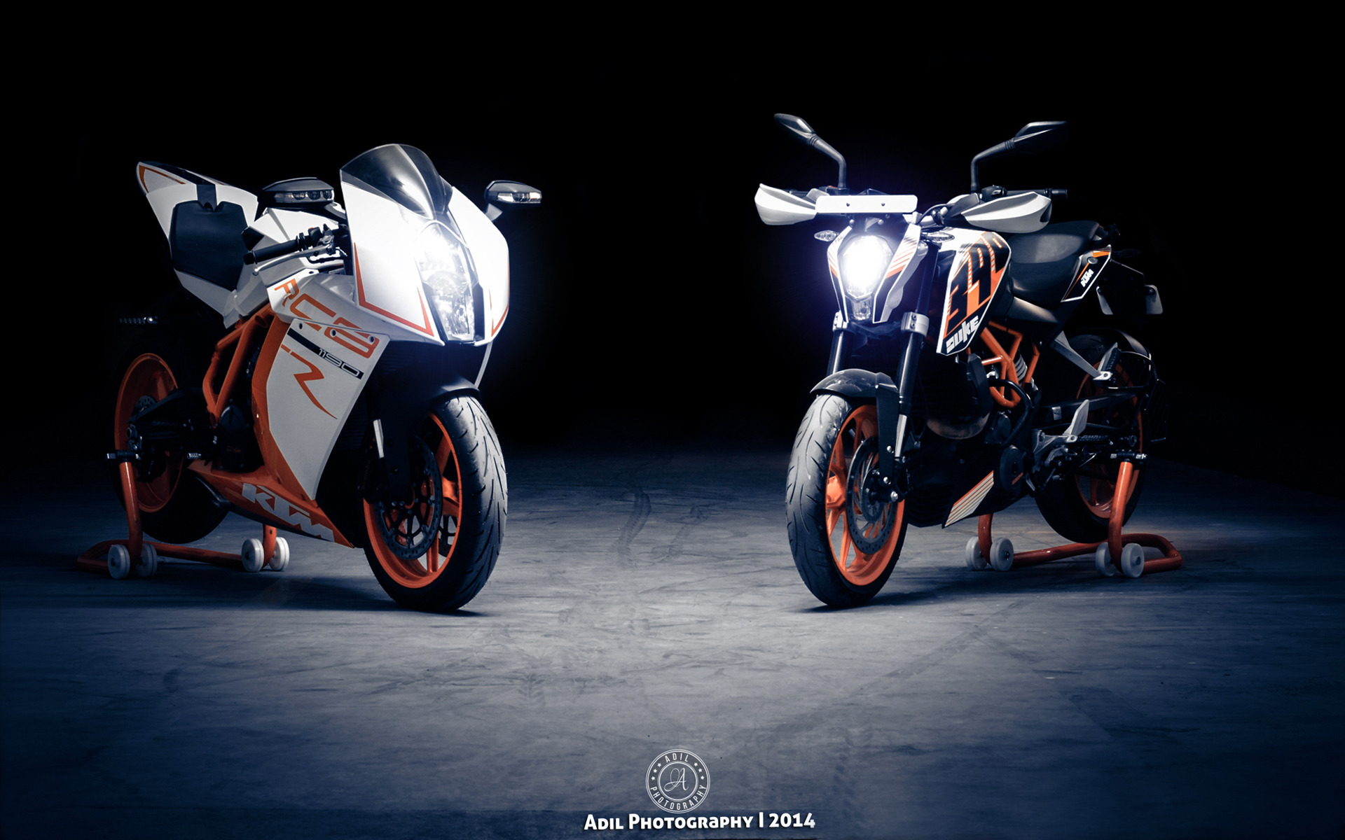 ktm 1190 rc8 and ktm 390 duke motorcycle hd wallpaper 19201200 10449 1920x1200