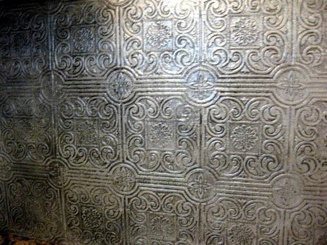 Tile Backsplash Textured wallpaper painted silver then she went over 640x480