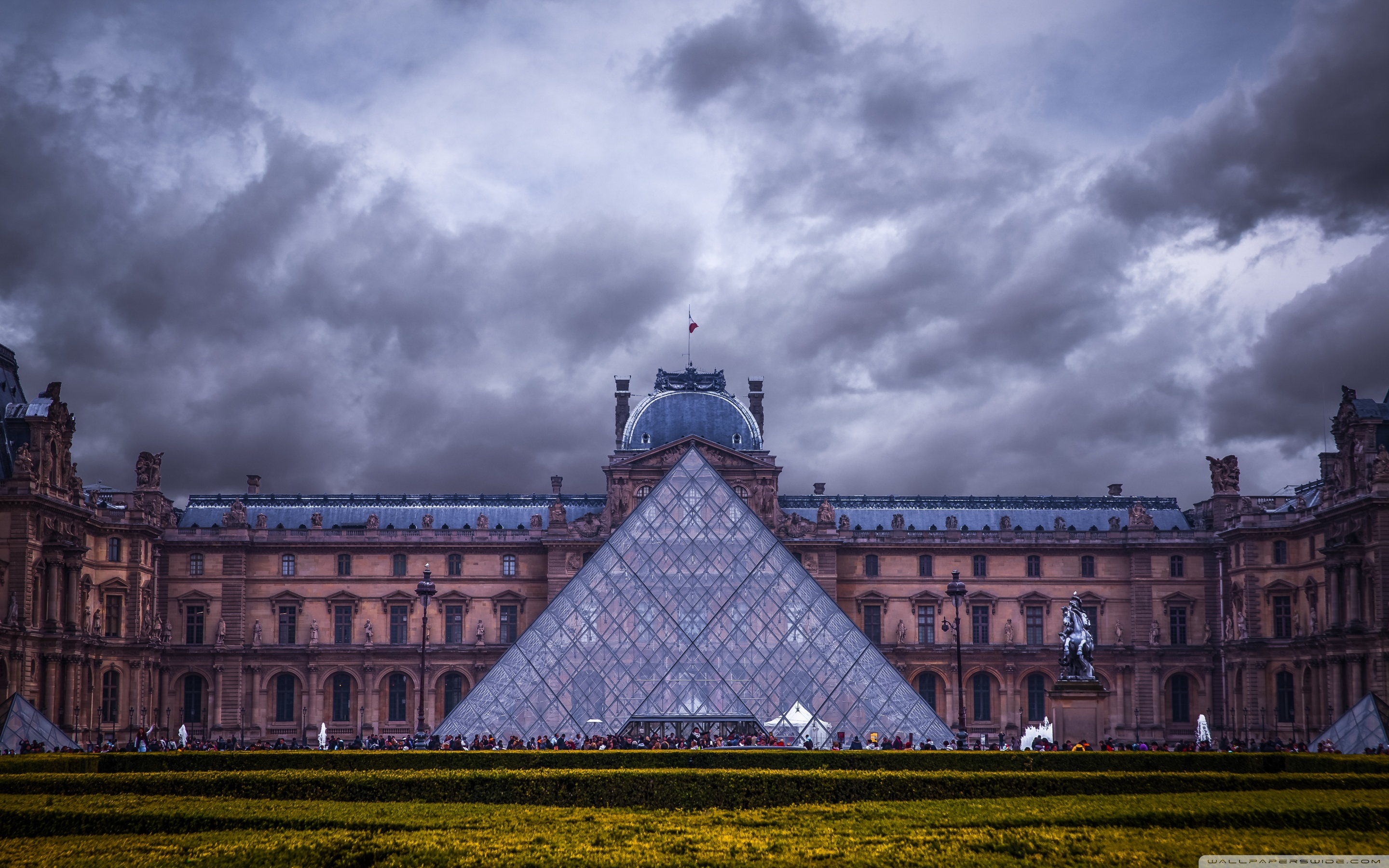 Louvre Museum Paris France 4K HD Desktop Wallpaper for 4K 2880x1800