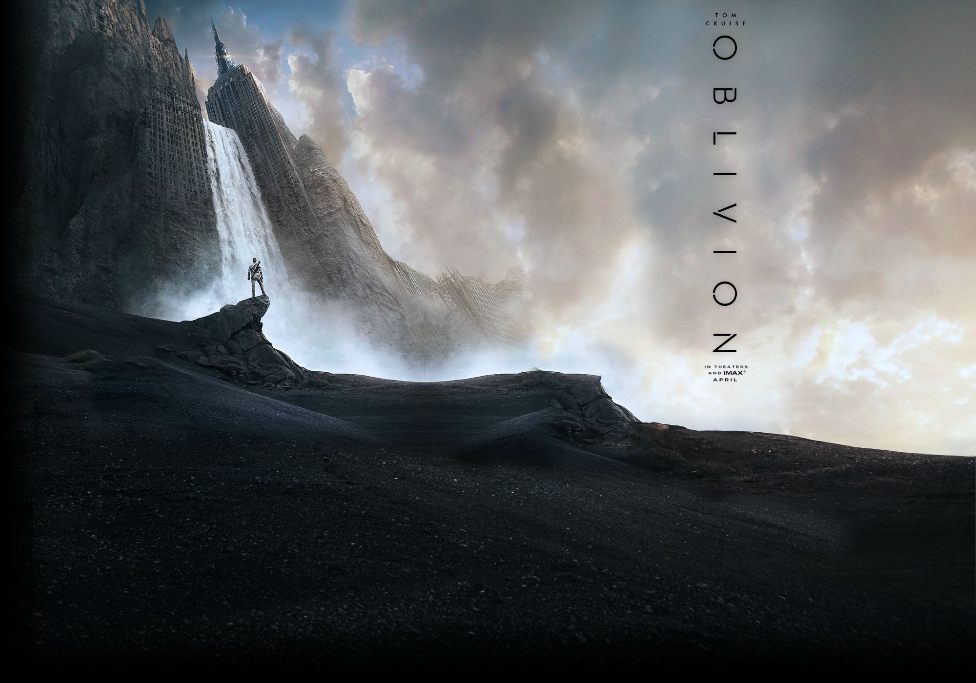 Tom Cruises Oblivion Looks Way Better Than Tom Cruises Jack 2000x1400