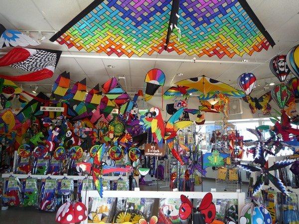 Colourful kite shop on Pier 39 SF Photo 600x450