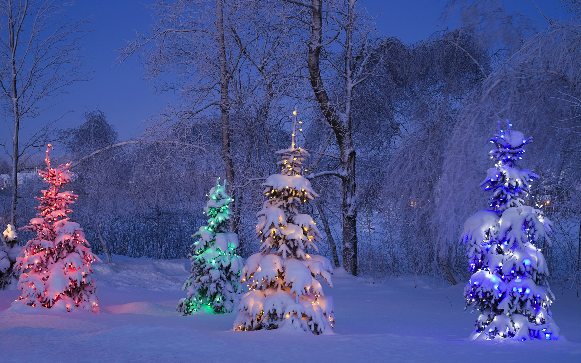 of winter and christmas themes for windows 7 published by microsoft