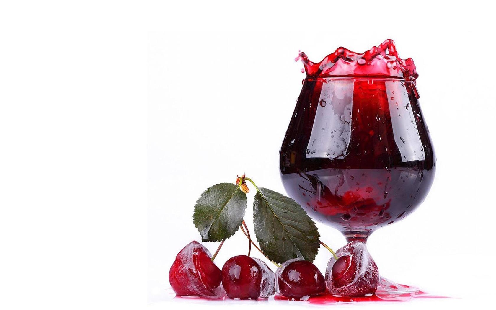 Download wallpaper 1680x1050 juice beverage fruit white 1680x1050