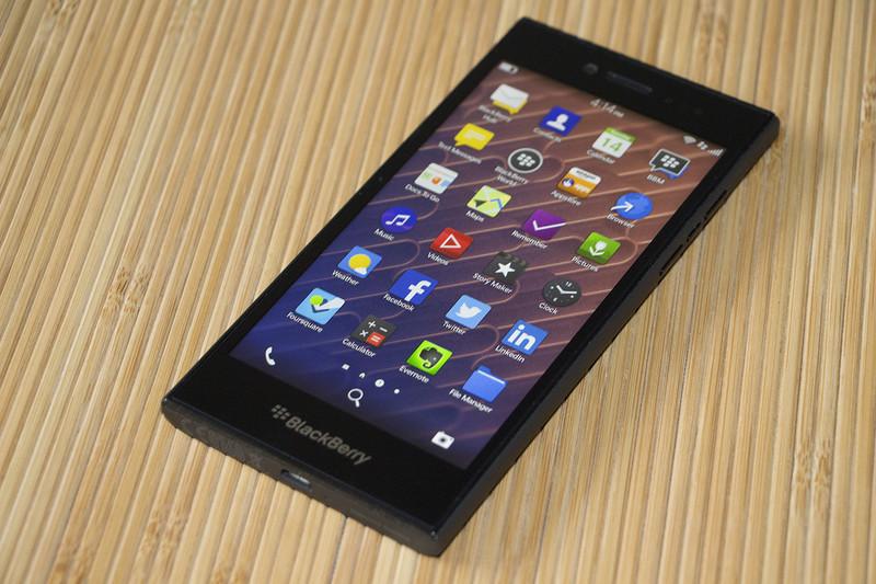 BlackBerry Leap Review CrackBerrycom 800x533