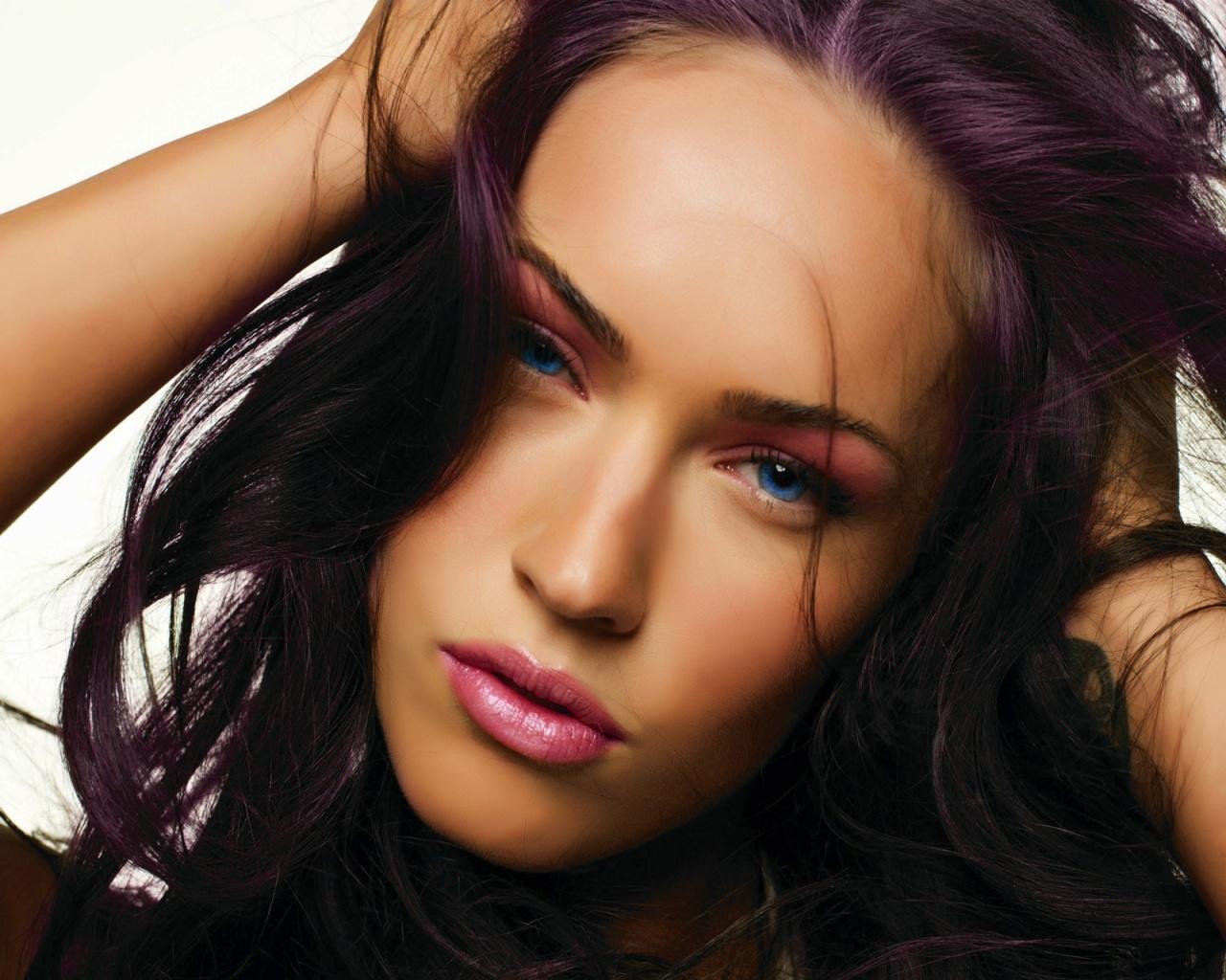 Megan Fox Close Up 1280x1024