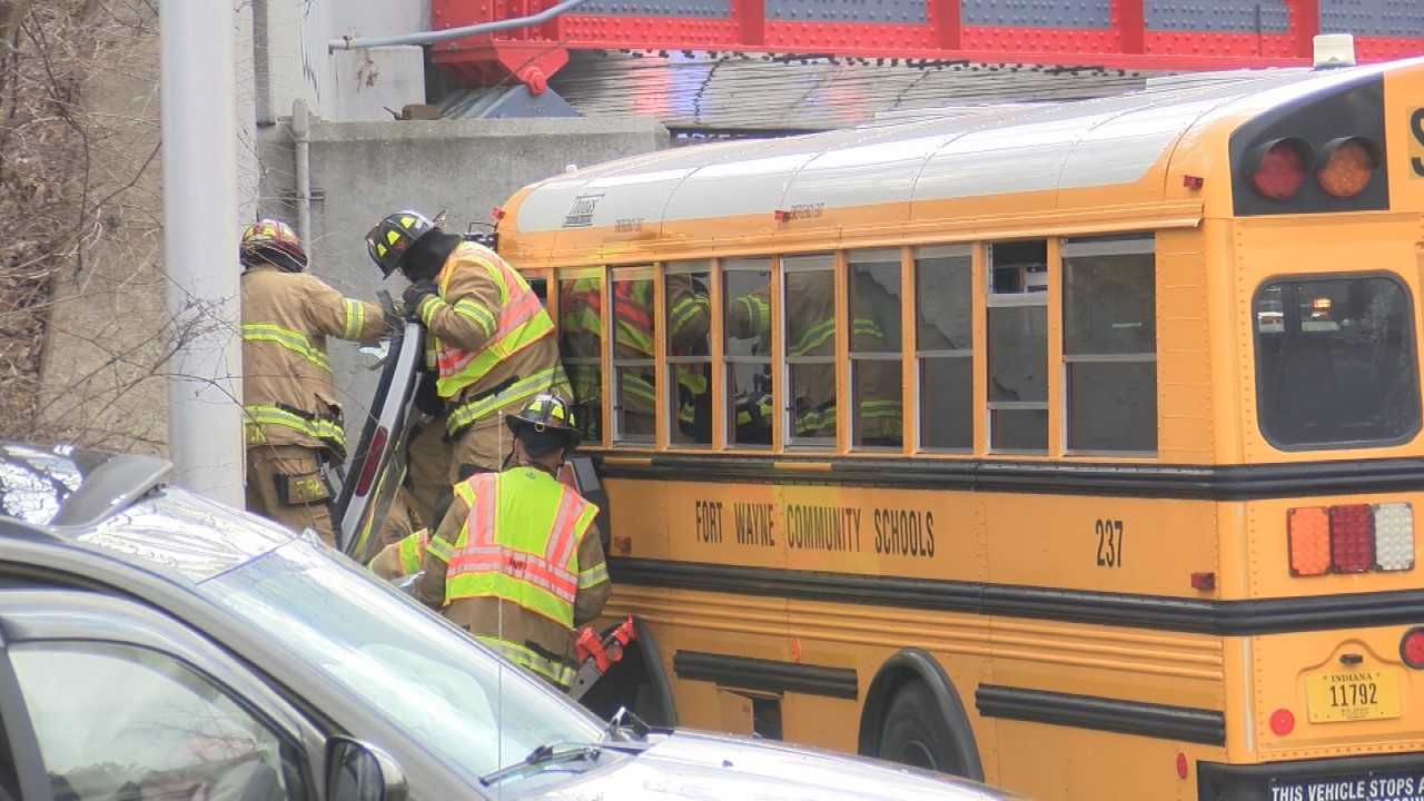 DIGGING DEEPER How often are bus drivers at fault in crashes   WPTA 1280x720