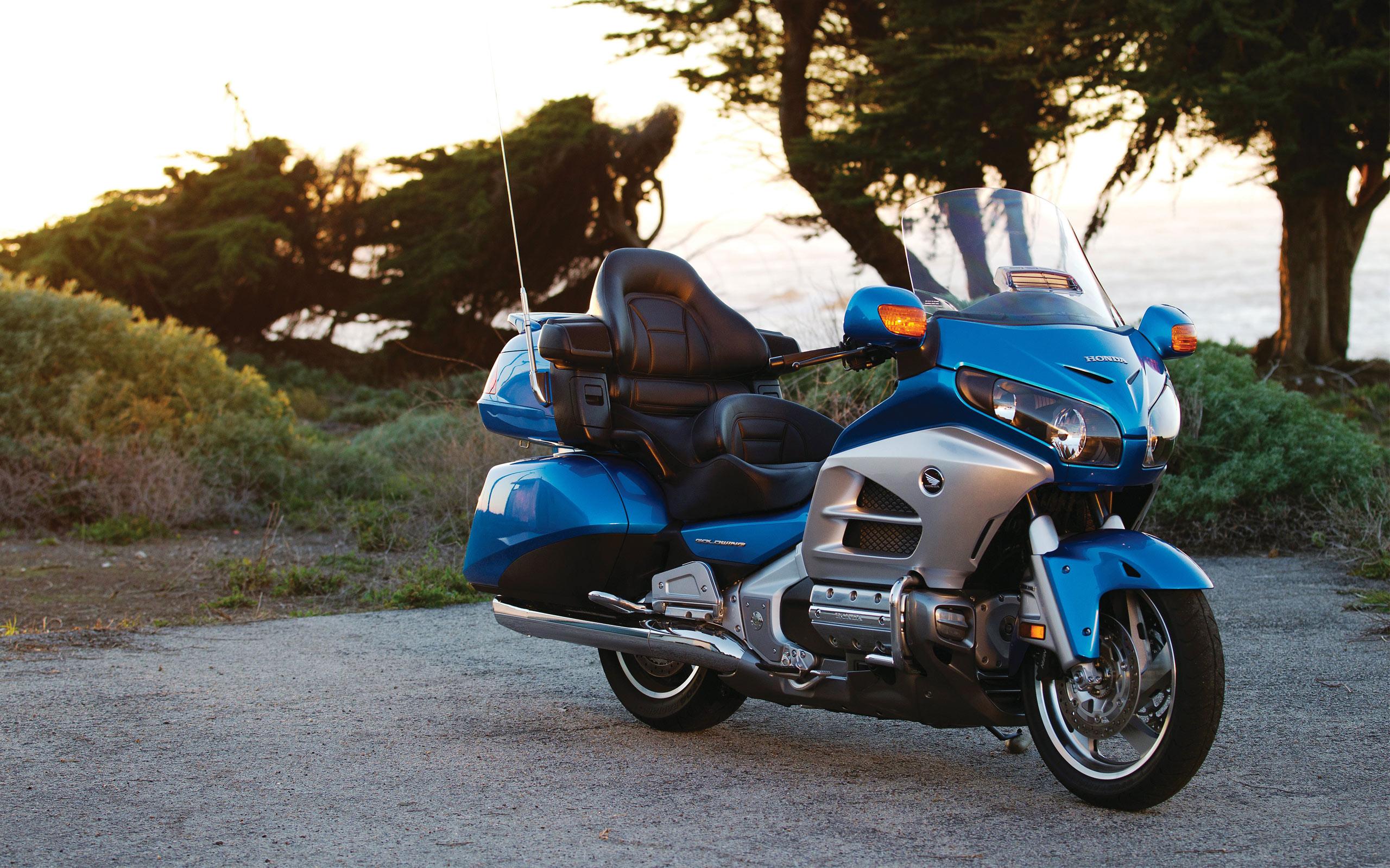 Honda Goldwing Blue Bike Background Wallpapers 66800 2560x1600px 2560x1600