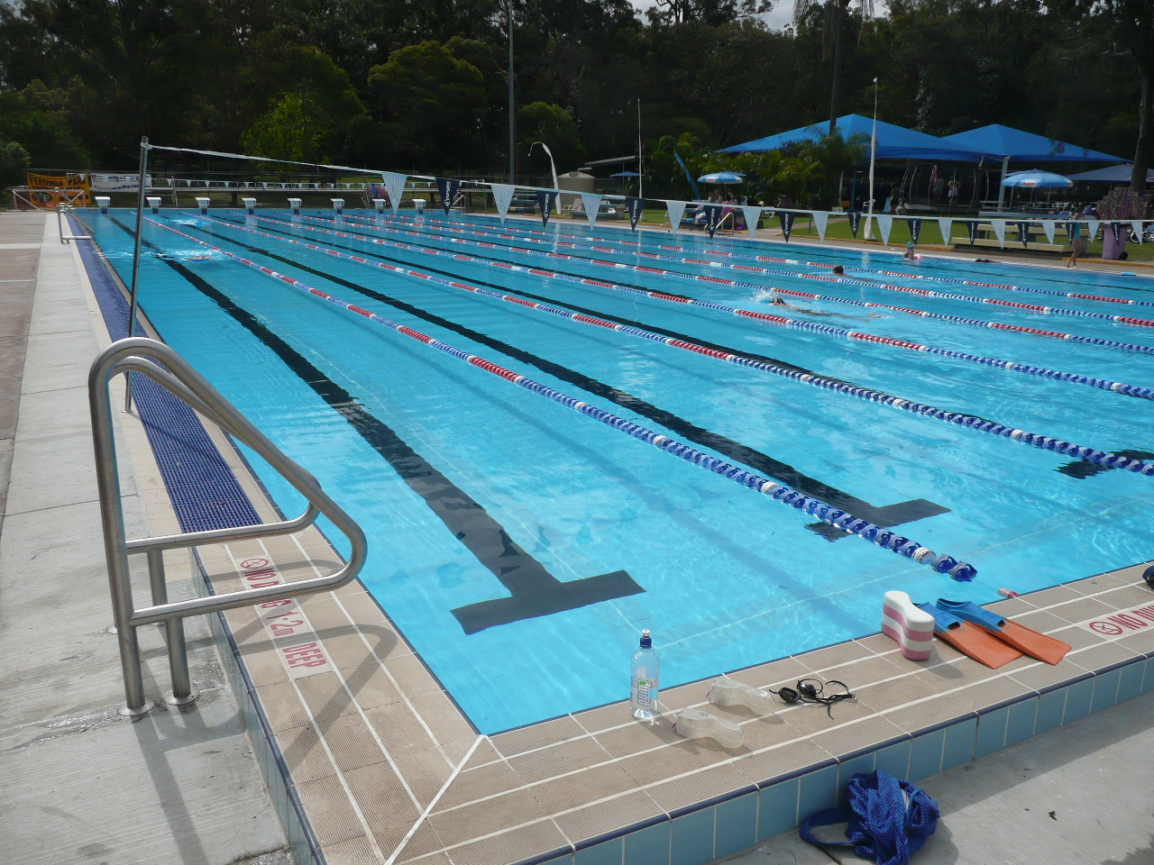 Olympic Swimming Pool 2012: Swimming Pool Wallpaper