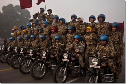 amazing wallpapers Motorcycle stunt training in Indias army 414x276