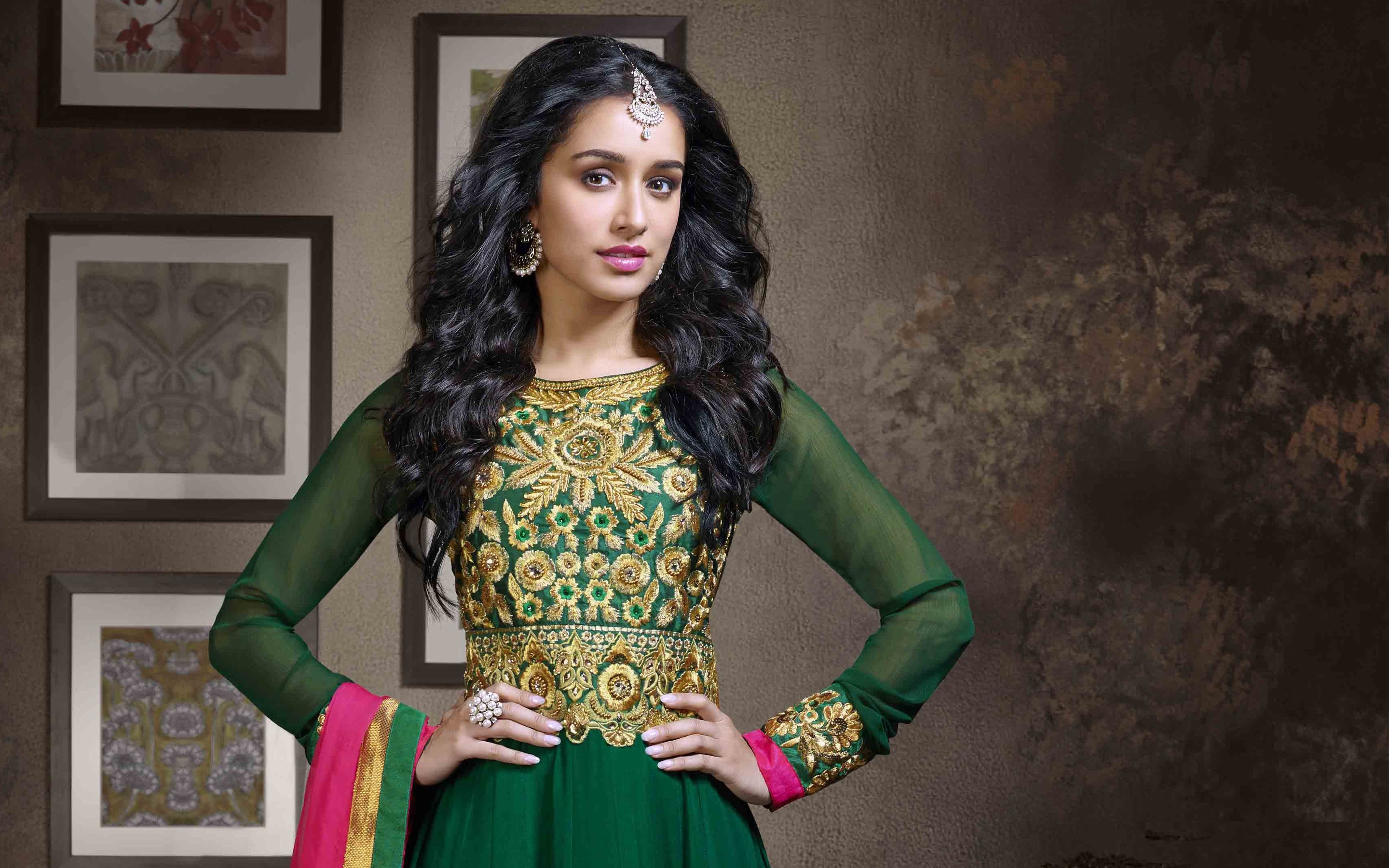 Shraddha Kapoor Indian Actress Panorama Download Desktop 2880x1800