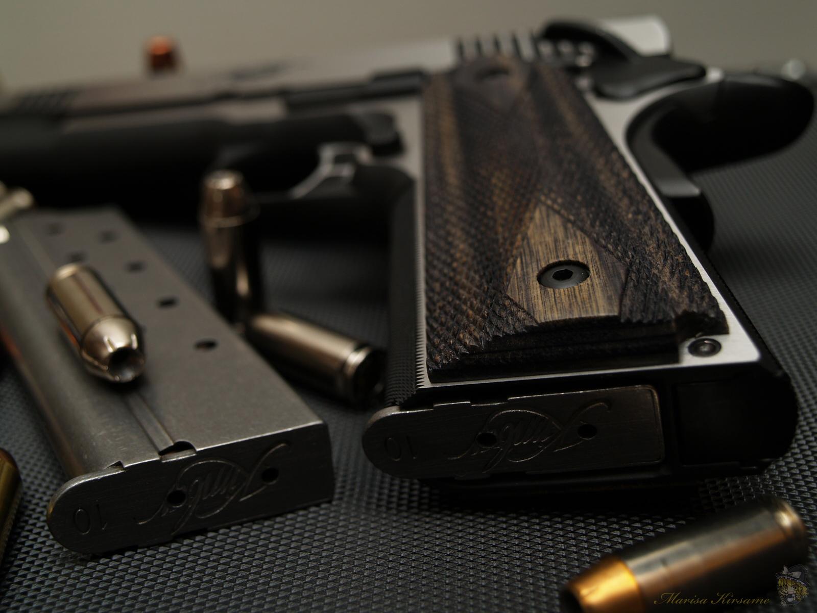 pistols guns weapons ammunition 1911 hollow point near desktop 1600x1200