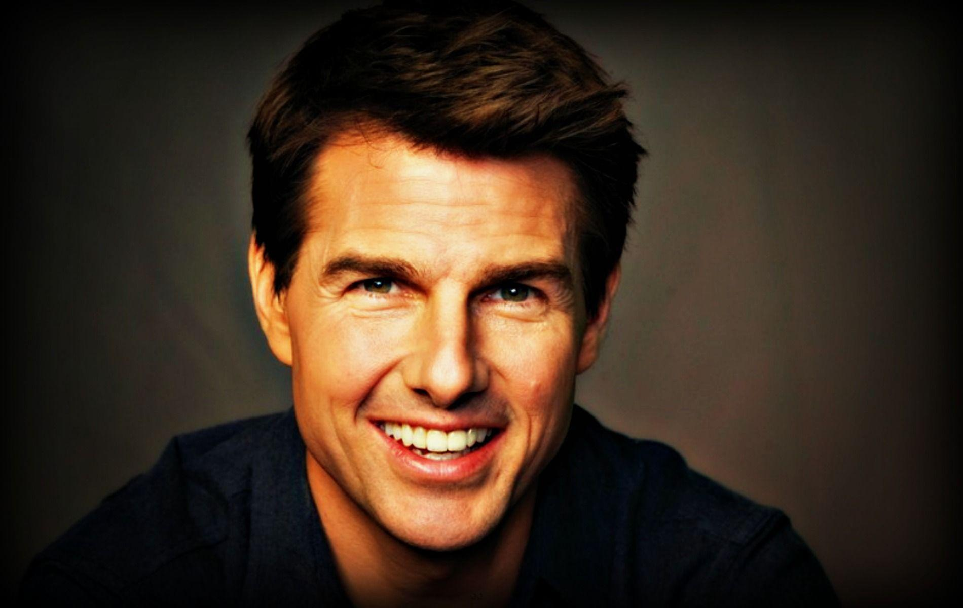 Tom Cruise Wallpapers 1900x1200