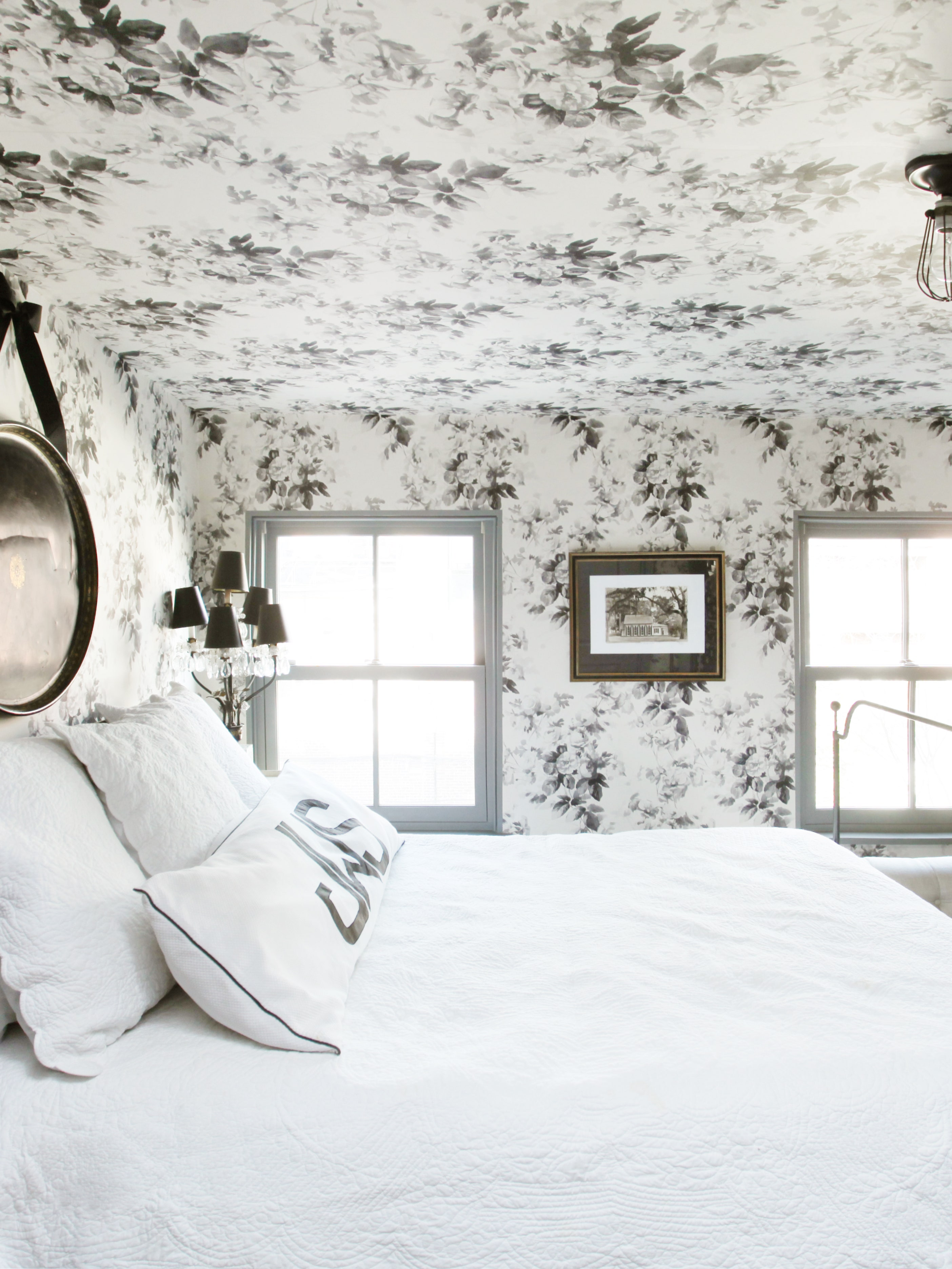 Try Ceiling Wallpaper to Open Up a Cramped Room Architectural Digest 2808x3744