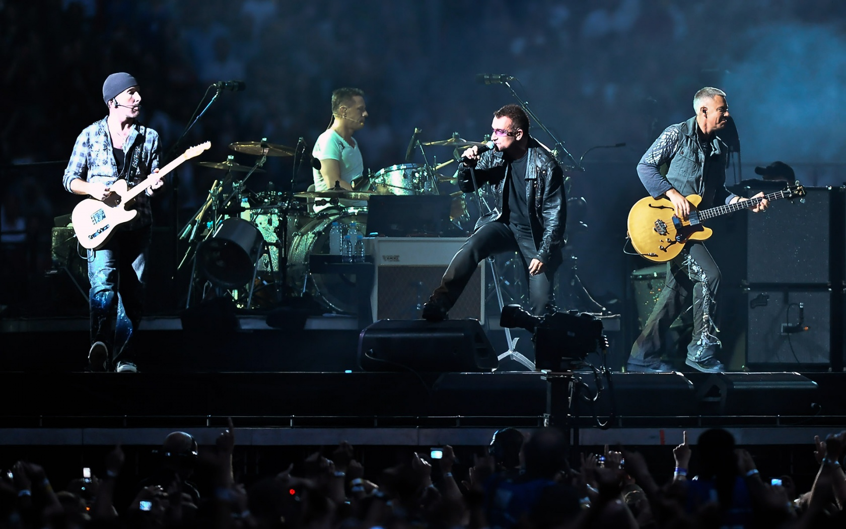 HQ U2 In Concert Wallpaper   HQ Wallpapers 1680x1050