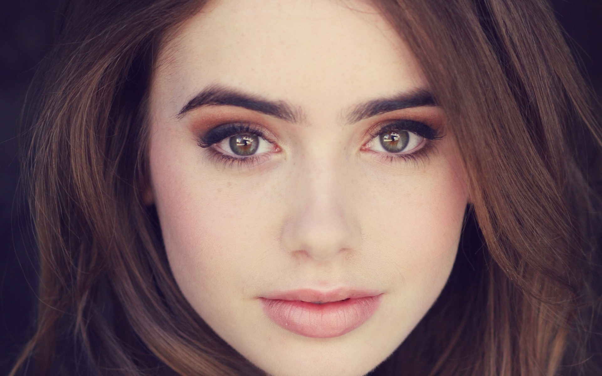Lily Collins Wallpapers   Wallpaper High Definition High Quality 1920x1200