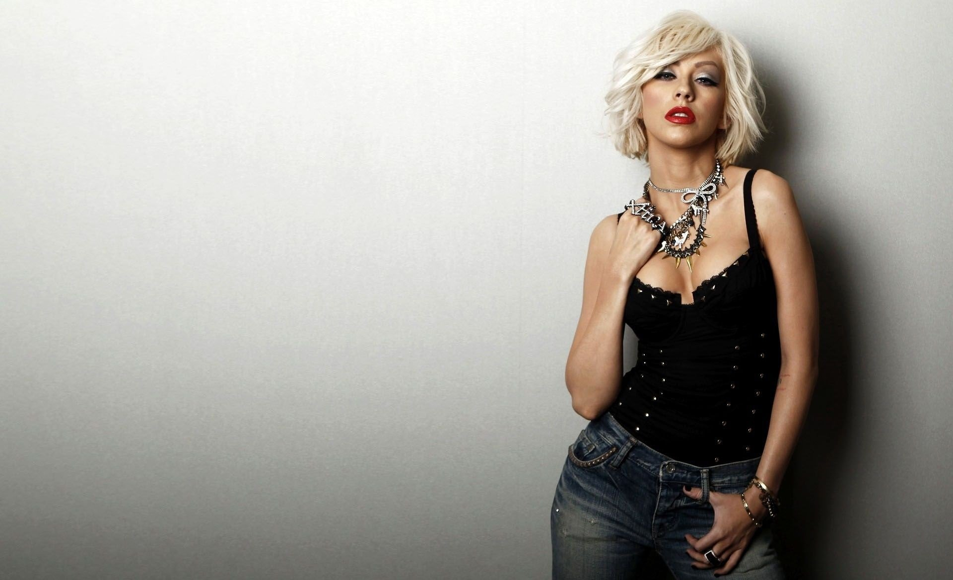 Christina Aguilera Wallpapers Images Photos Pictures Backgrounds 1920x1168