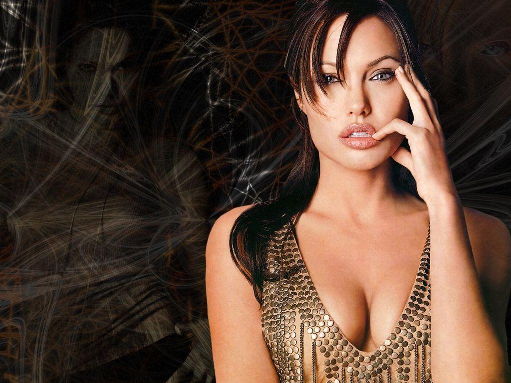 Angelina Jolie Hot wallpaper Gallery 1024x768