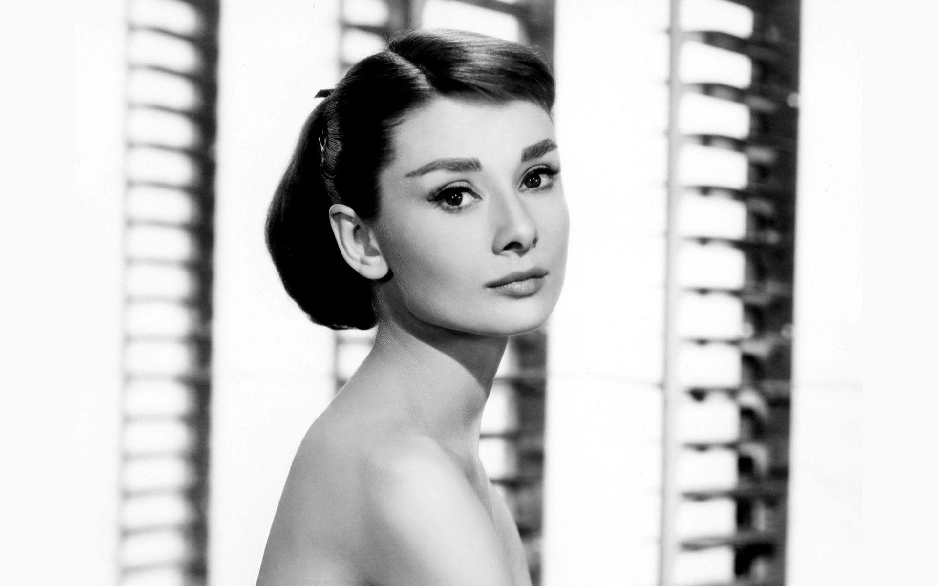 Audrey Hepburn Wallpaper 8419 1920x1200