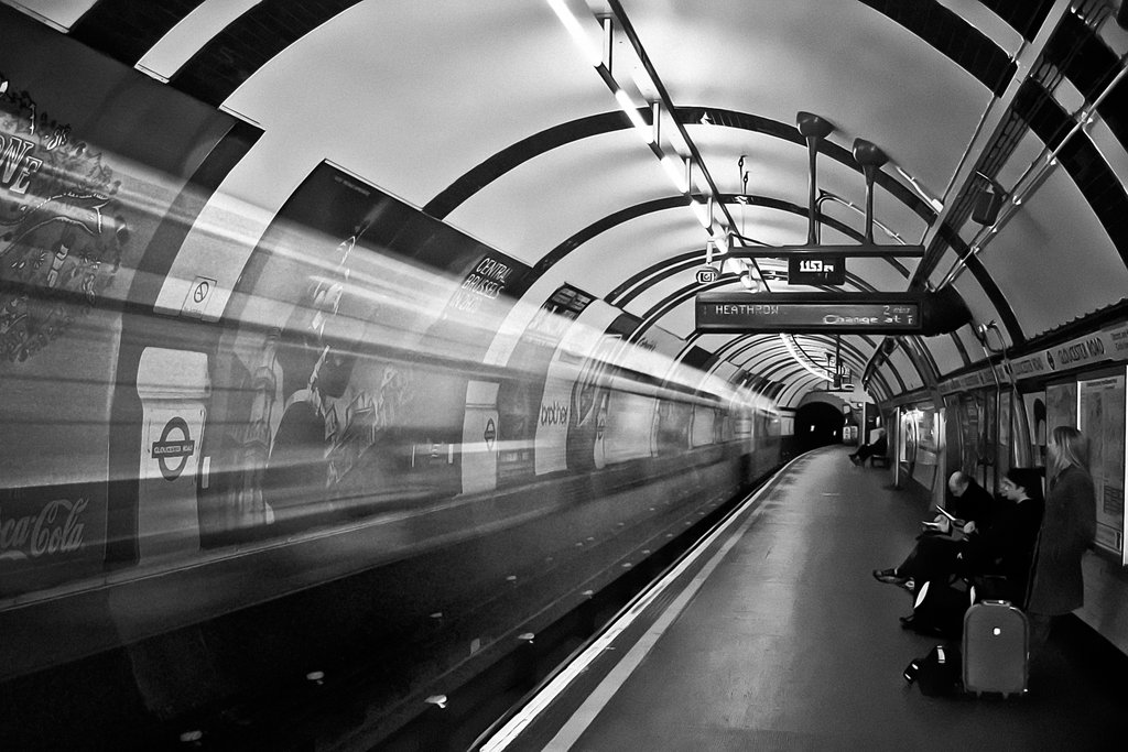 London underground wallpaper wallpapersafari for Black and white london mural wallpaper
