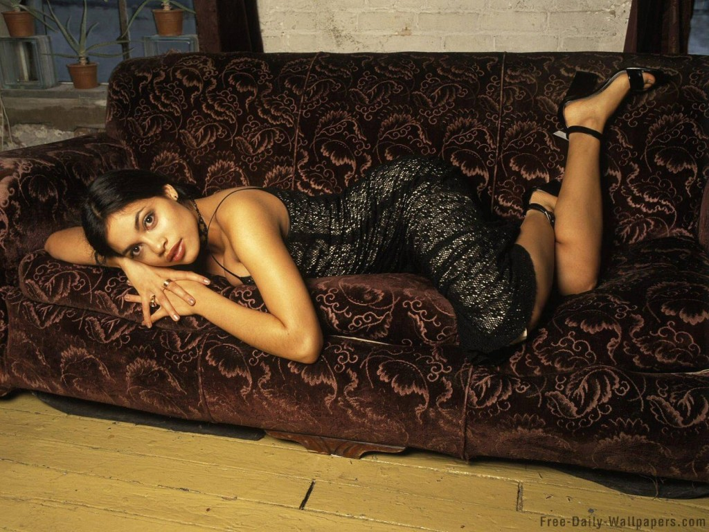Hot Wallpapers 2013 Rosario Dawson Biography And Latest Hot Wallpaper 1024x768