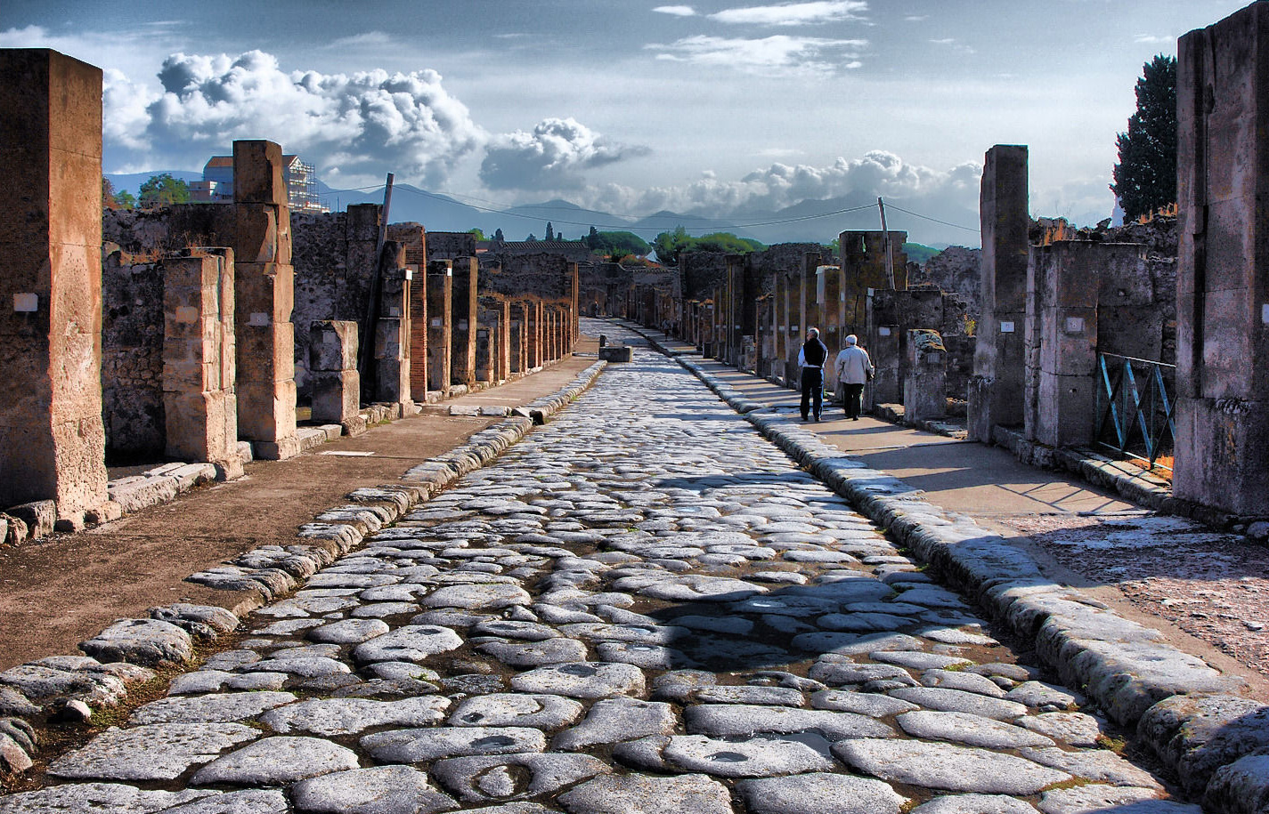 Amphitheatre Of Pompeii Wallpaper 20   1425 X 915 stmednet 1425x915