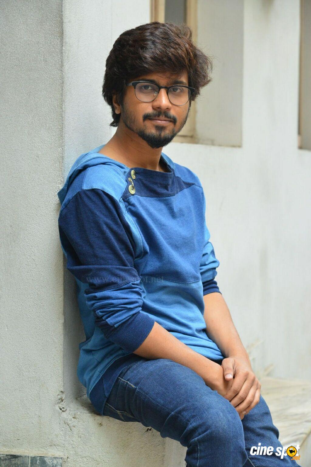 Husharu Hero Abhinav Interview Photos 12 1024x1536